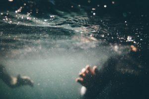 underwater-1150045_1280